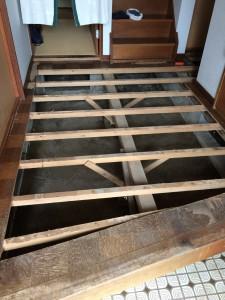 守谷市A様邸 玄関ホール床解体及び貼り替え工事a1