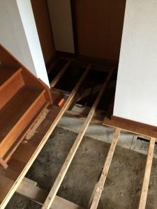 守谷市A様邸 玄関ホール床解体及び貼り替え工事a2